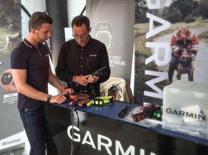 Frères de chasse officialise son partenariat avec Garmin distribué par Rivolier.